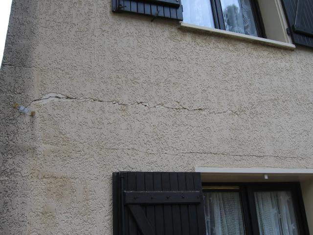 Fissure mur ext rieur maison ancienne resine de for Protection mur exterieur enterre
