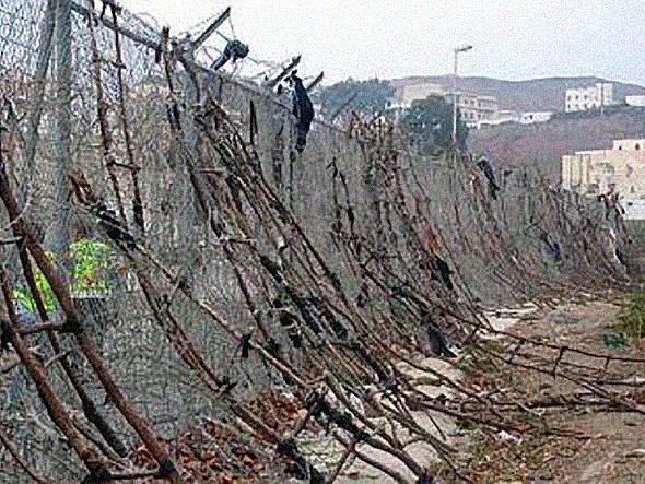 ceuta .. un bidonville en Europe Ceuta2-233686d
