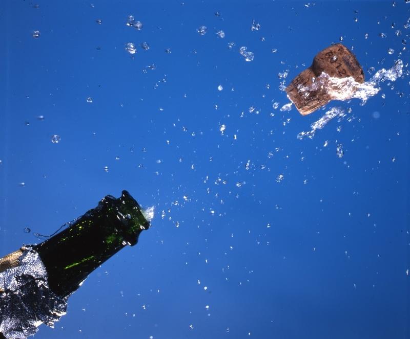LES THRACIENS ONT UN AN, JOYEUX ANNIVERSAIRE Bouchon-de-champagne-76a4ea