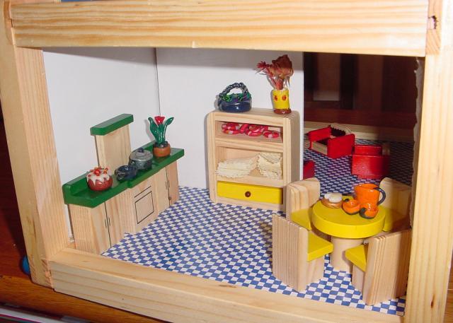 petite maison de poup es en kit fin loisirs passions chez jo. Black Bedroom Furniture Sets. Home Design Ideas